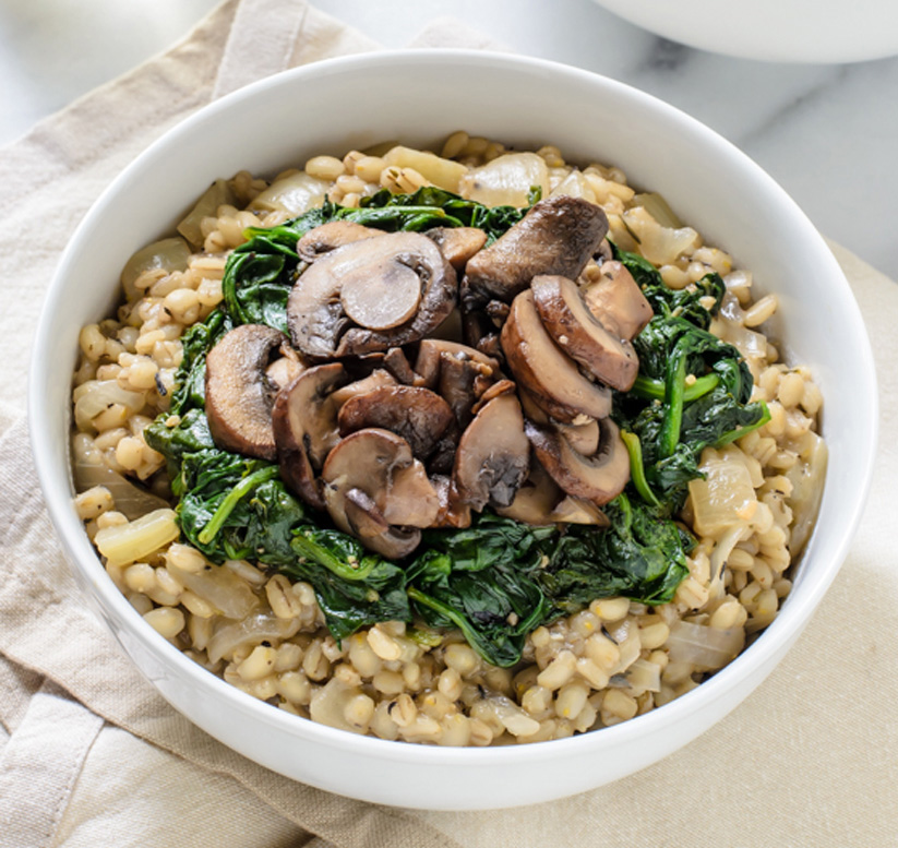 Creamy-Barley-Risotto-with-Garlic-Mushrooms-and-Spinach